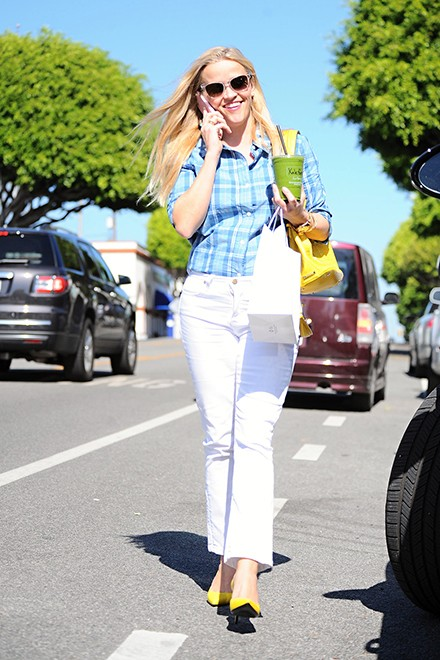 © bsragency.com Hurray it's Pay Day Shop de look van Reese Witherspoon
