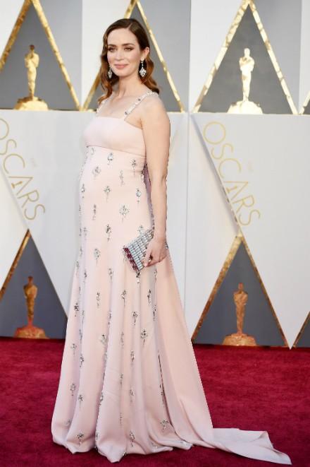 Emily Blunt Oscar Look