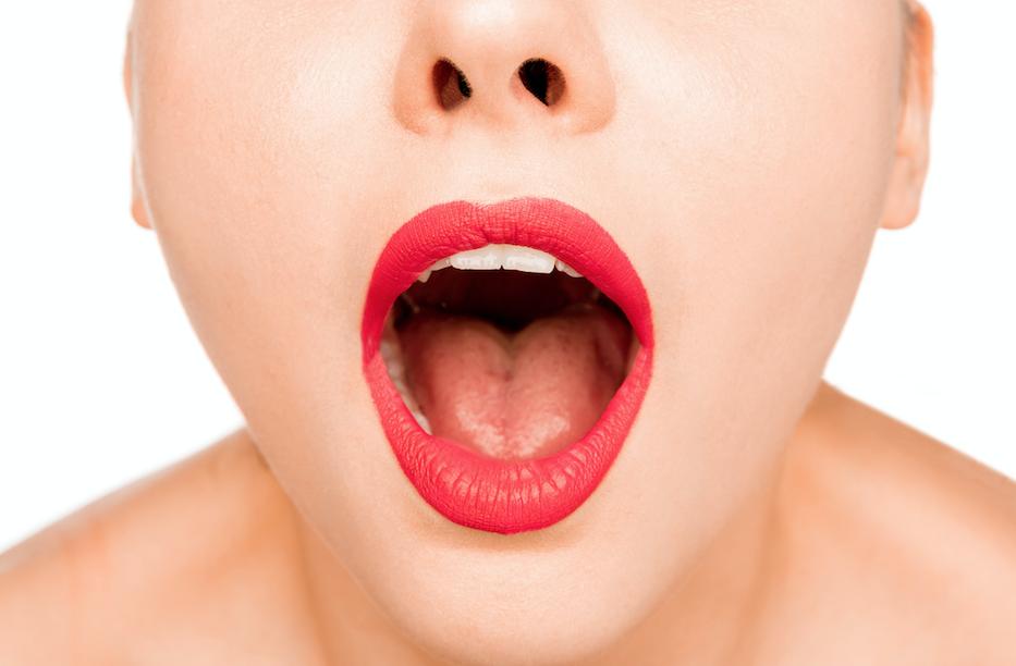 Lul diep in haar keel