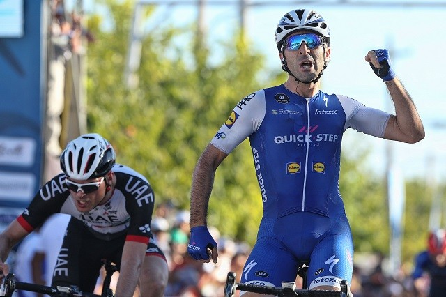 Oliviero Troia (l) kon Maximiliano Richeze (r) niet bijbenen in de sprint gisteren.